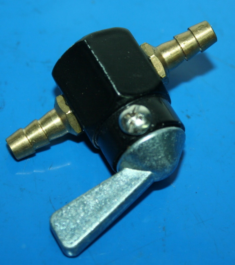 Durchgangs-Benzinhahn 6mm Schlauchanschluss f.5+6mm Schlauch