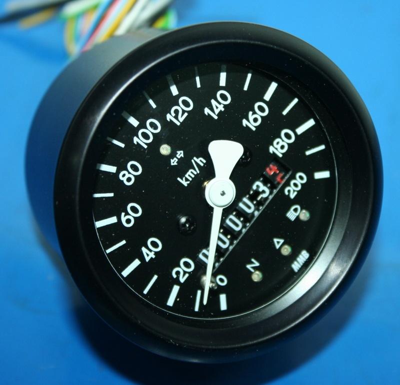 Tacho 60mm schwarz mit Kontrolleuchten mechanisch W=0,7
