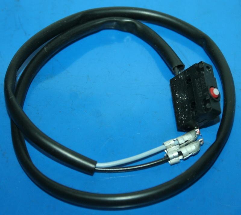 Bremslichtschalter F650/93/97/ST vorn ohne Stecker