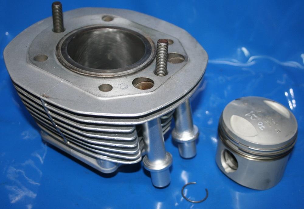 Zylinder u.Kolben R45N 8.2:1 -9/80 überarb.+0,25 im Tausch
