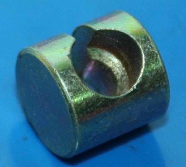 Aufnahme Bremszug 12mm Loch 7mm 8/75-