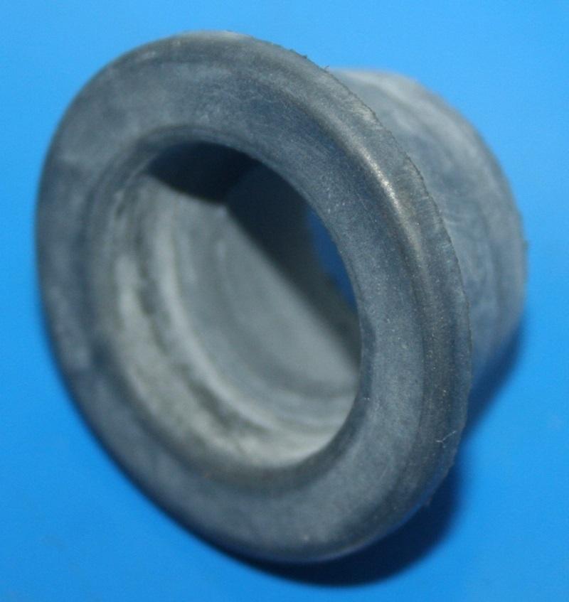 Gummilager außen Fußrastenplatte K100 -86