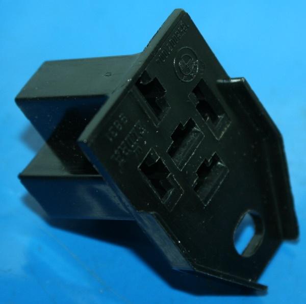 Steckergehäuse 5Pol.Warnsummer etc /7- R45/65